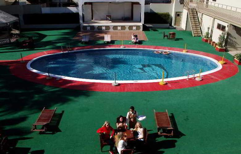 Delmon Iternational - Pool - 12