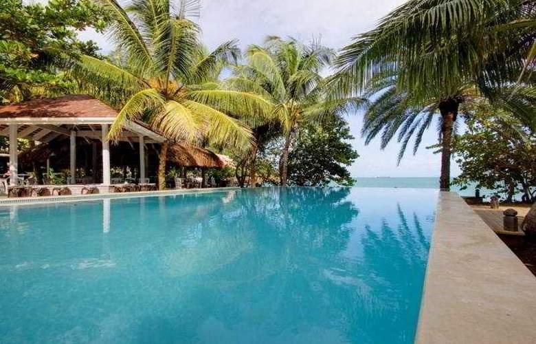 Coconut Beach Club - Pool - 6