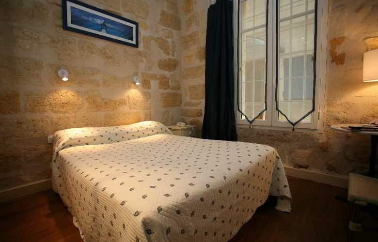 QUALYS-HOTEL LA TOUR INTENDANCE - Room - 9