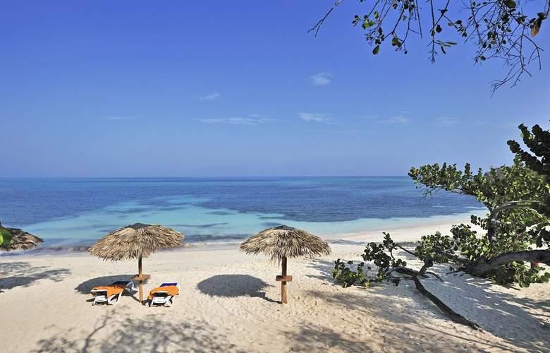 Paradisus Rio de Oro All Inclusive - Beach - 5