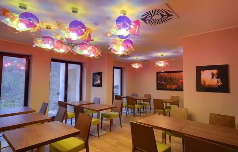 Voyage - Restaurant - 4