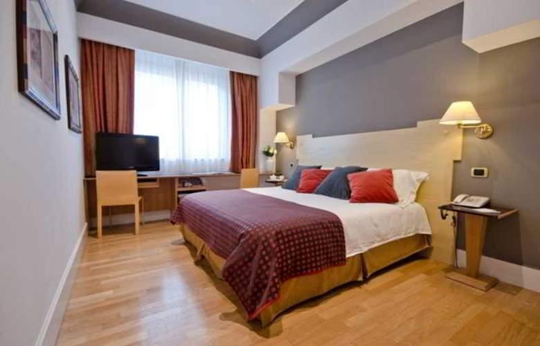 Plaza Opera - Room - 6