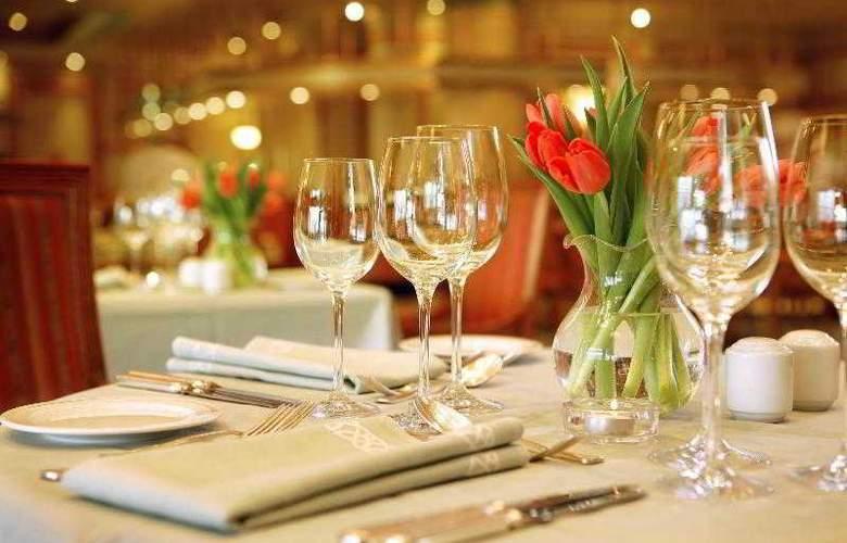 Sheraton Zagreb - Restaurant - 57