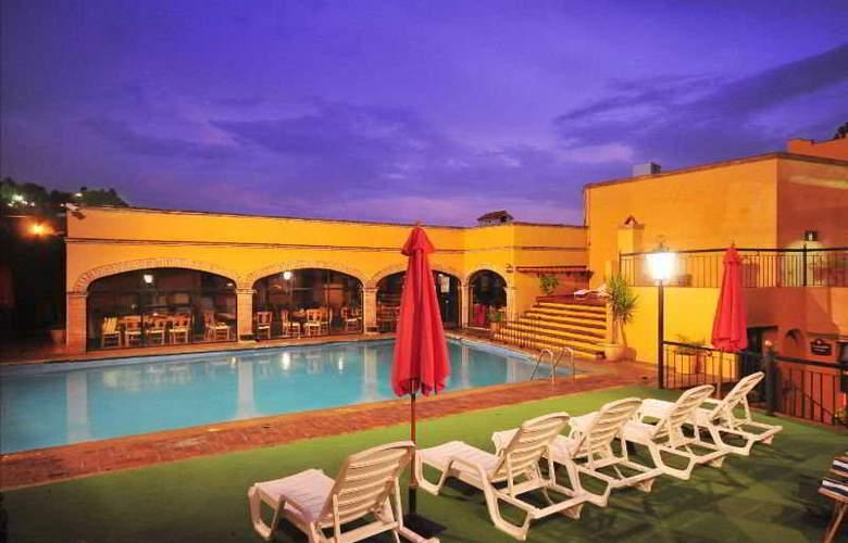 La Abadia Plaza - Hotel - 0