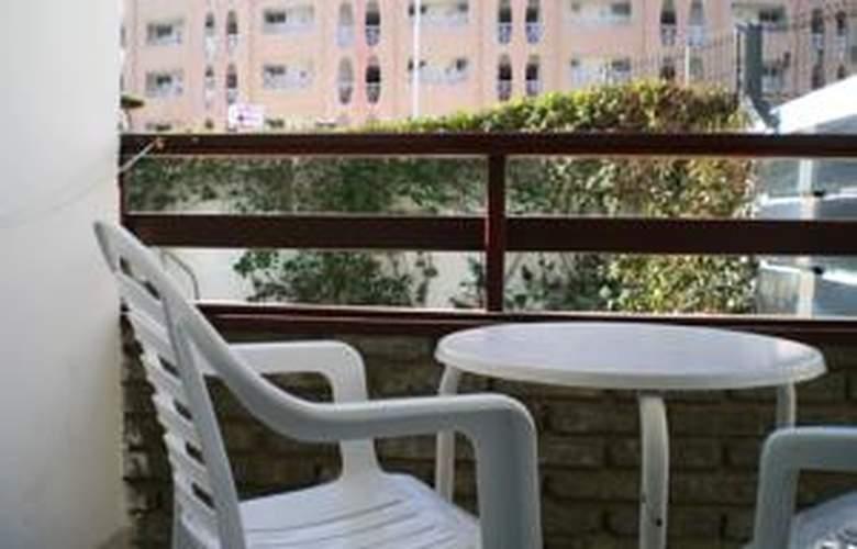 Apartamentos las Gacelas - Room - 14
