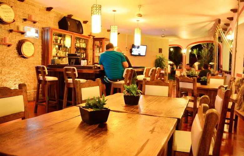 Hotel Hacienda Inn Aeropuerto - Bar - 24