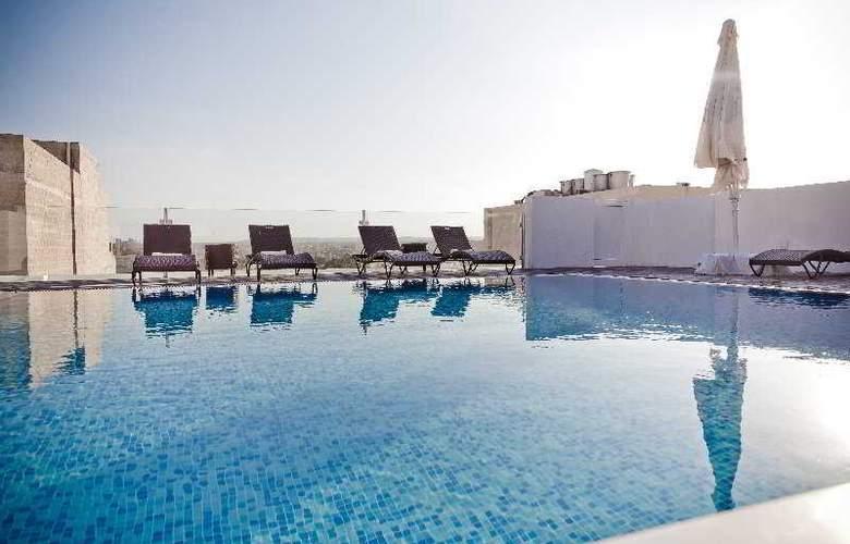 Rocca Nettuno Suites - Pool - 3