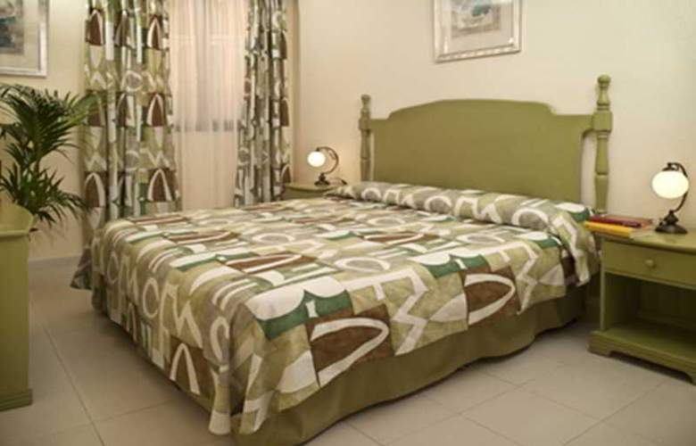 Paradise Court Aparthotel - Room - 13