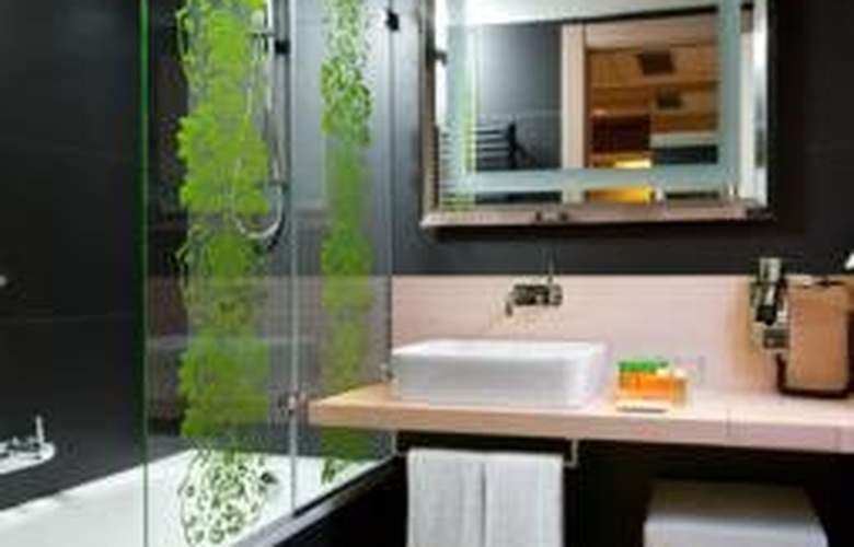 Double Tree by Hilton Girona - Room - 2