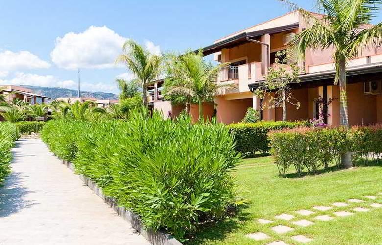 Tindari Resort & Marina Beach - Hotel - 9