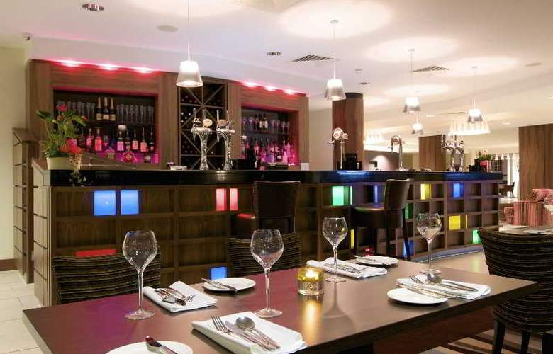 Ramada Plaza Southport - Bar - 4