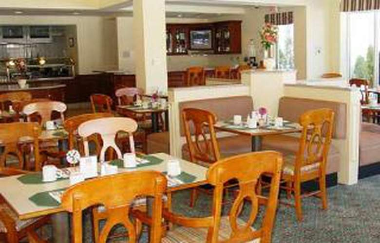 Hilton Garden Inn Bridgewater - Restaurant - 0