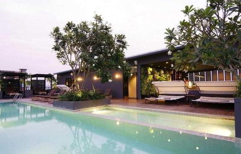 Page 10 Hotel Pattaya - Pool - 7