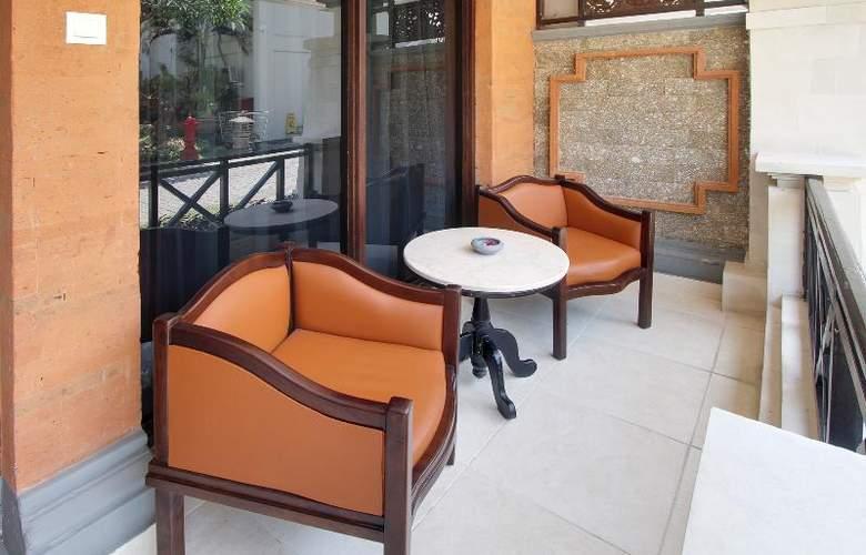 Sol House Kuta Bali - Terrace - 5