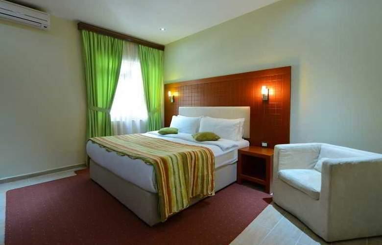 City Tirana - Room - 10