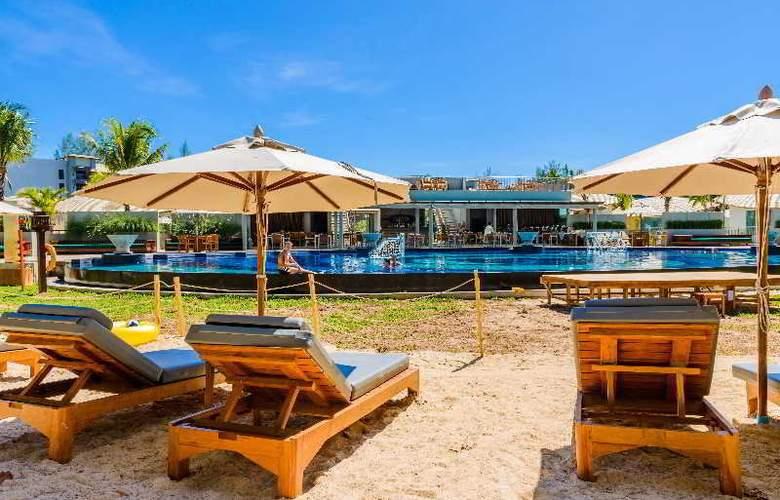 Mai Khao Lak Beach Resort & Spa - Pool - 17