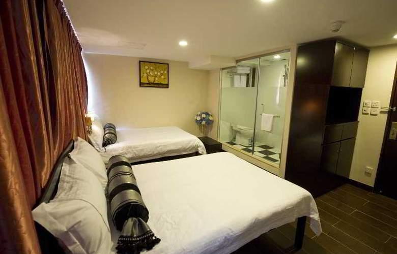 California Hotel - Room - 10