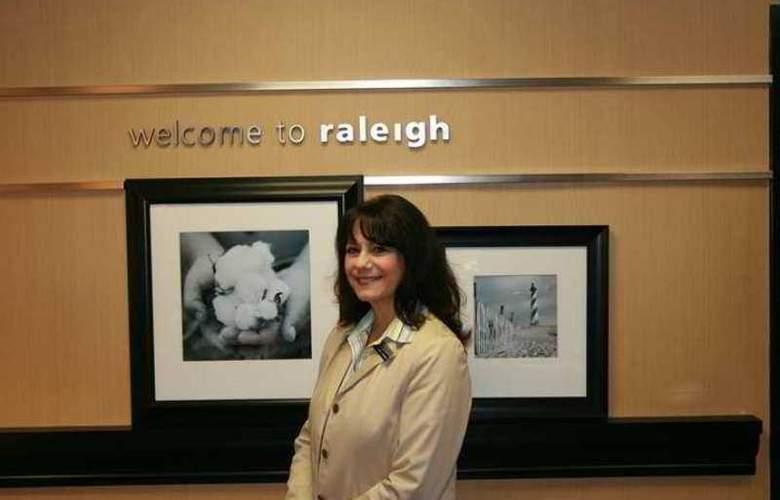 Hampton Inn Raleigh Midtown - Hotel - 5