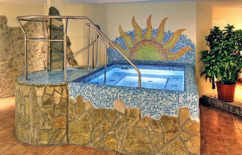 Mediterran - Pool - 22