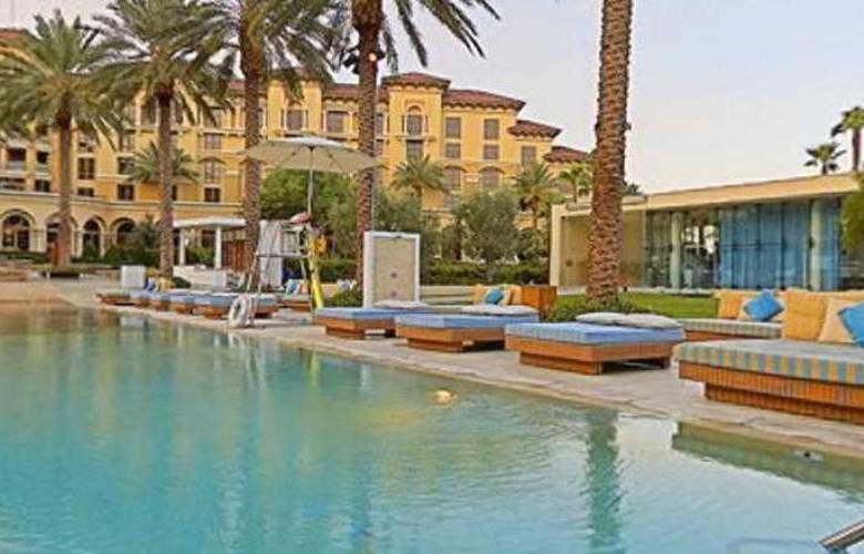 Green Valley Ranch Resort & Spa Casino - Pool - 22