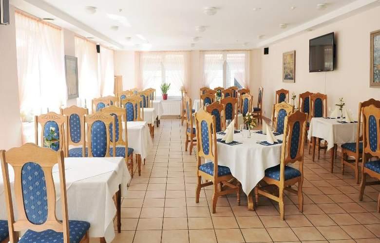 Amicus Hotel - Restaurant - 16