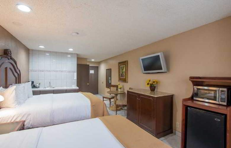 Quality Inn & Suites Near The Border - Room - 24