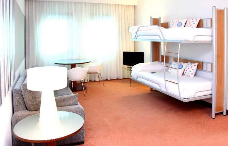 Tryp Santiago - Room - 13