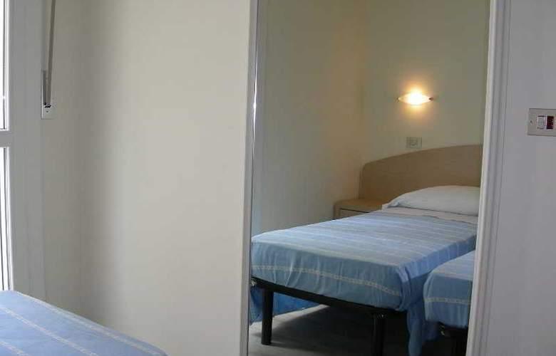 Miriam - Room - 7