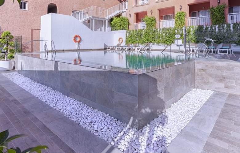 Fénix Torremolinos - Pool - 23