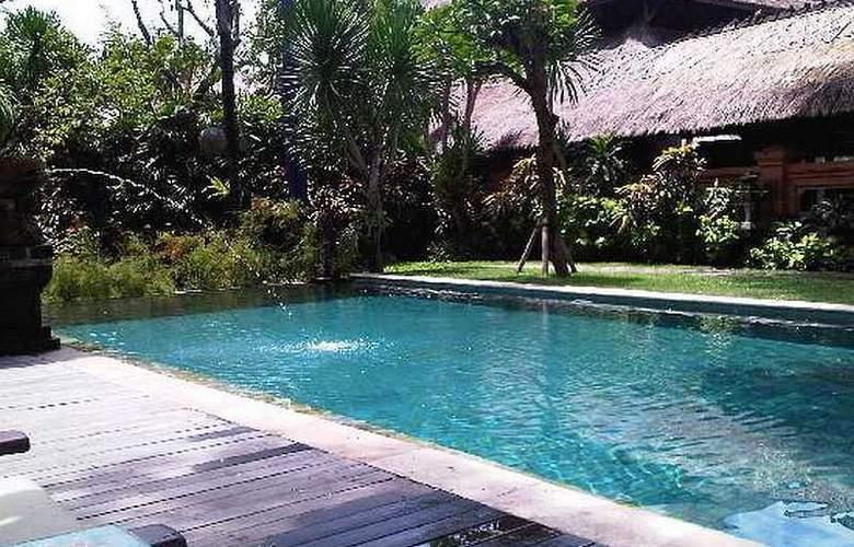 Tandjung Sari - Pool - 20