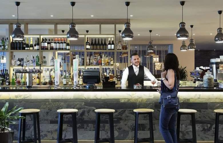 Mercure Cardiff Holland House Hotel and Spa - Bar - 45