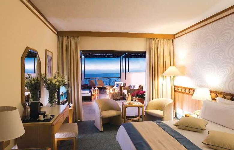 Constantinou Bros Athena Beach Hotel - Room - 15