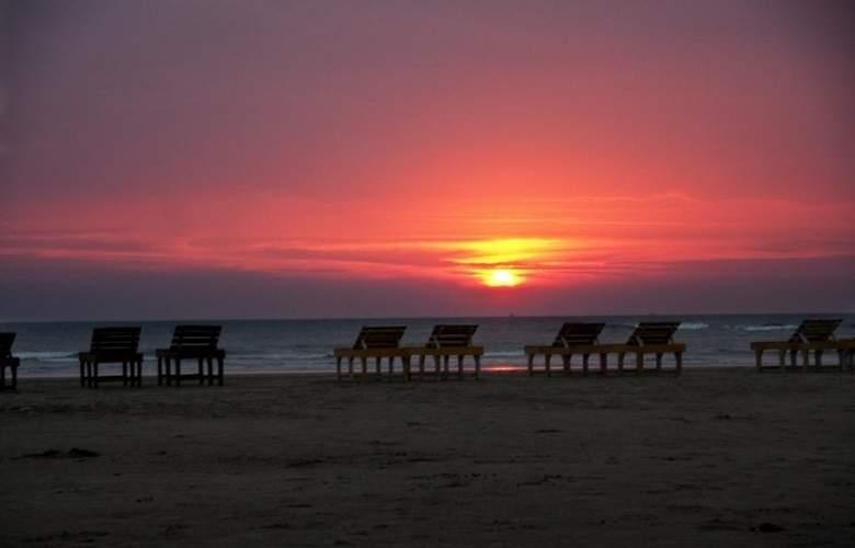 Rococco Morjim - Beach - 15