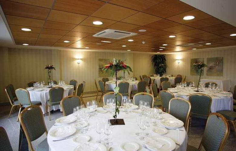 Sercotel Gran Fama - Restaurant - 38