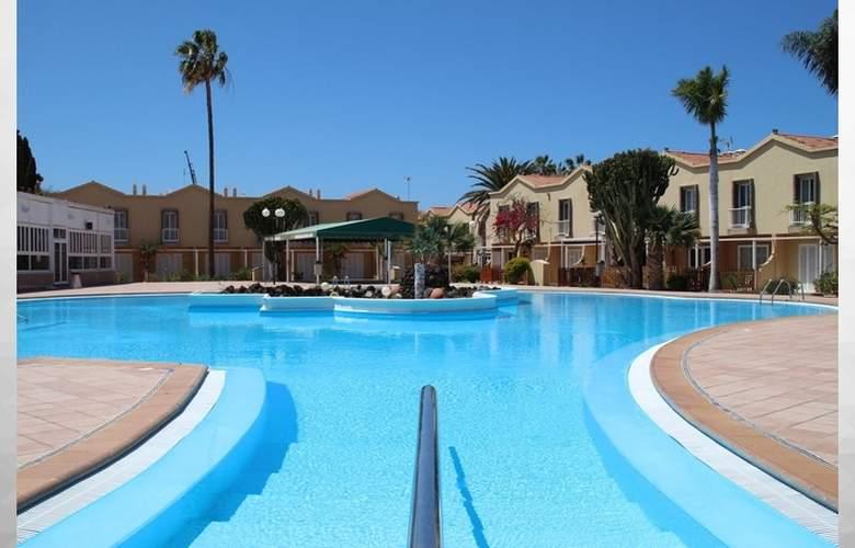 Green Oasis Club - Pool - 2