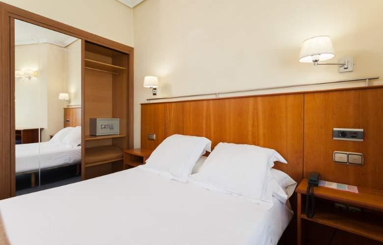 Ciudad De Compostela - Room - 14