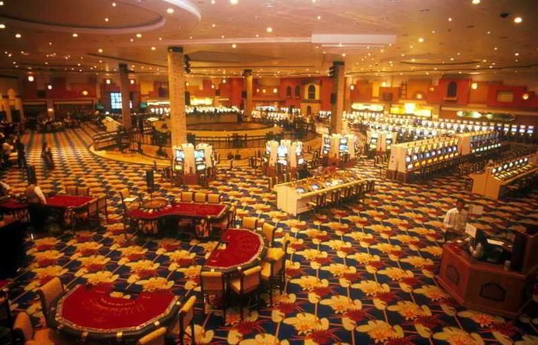 Jasmine Court Hotel & Casino - Sport - 6