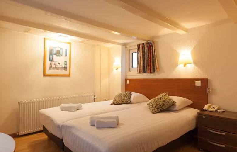 ITC Hotel - Room - 23