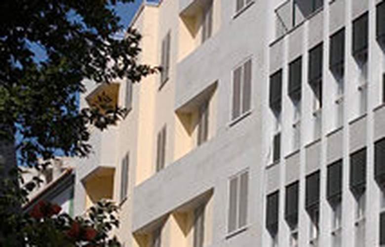 Apartamentos turisticos Atlantida - Hotel - 0