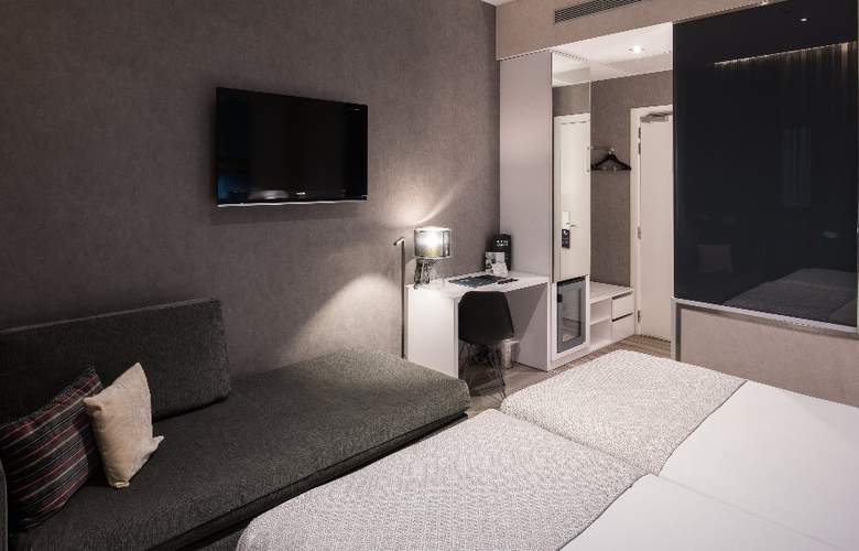 Catalonia Gran Via BCN - Room - 8