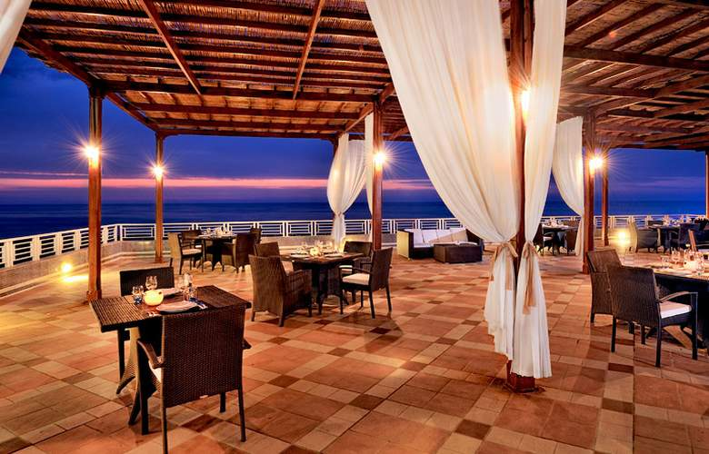 Sheraton Club des Pins Resort and Towers - Restaurant - 6