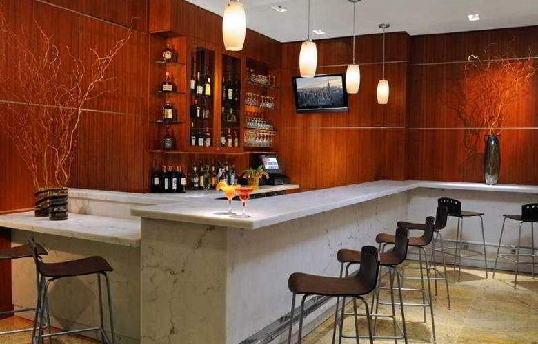 Hilton Garden Inn New York/West 35 Street - Bar - 8