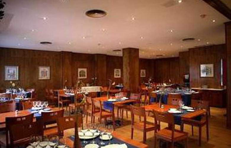 Sancho Ramirez - Restaurant - 1