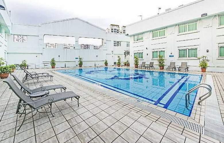 Hotel 81 - Tristar - Pool - 21