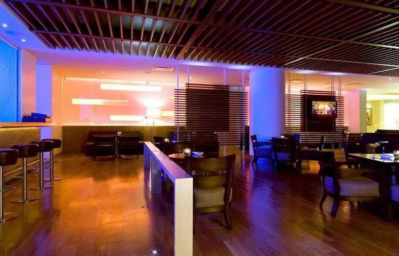 Sheraton Suites Santa Fe - Bar - 4
