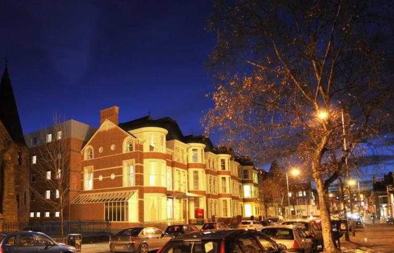 Ibis Belfast Queens Quarter - Hotel - 0