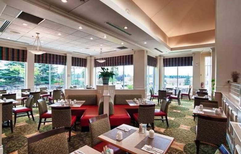 Hilton Garden Inn Mississauga - Restaurant - 9