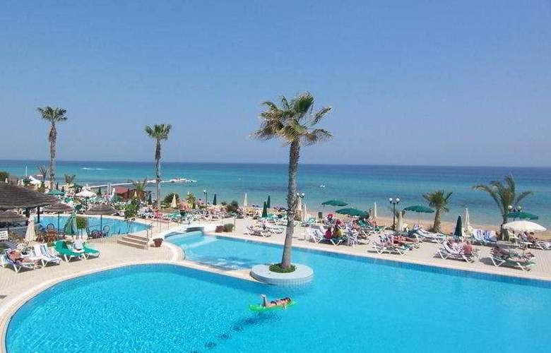 Sunrise Beach Hotel - Pool - 3