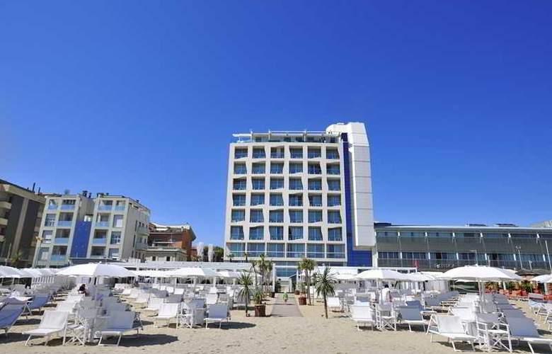 Excelsior Pesaro - Hotel - 12