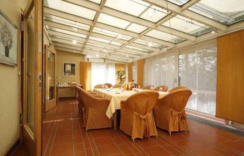 Prinzregent am Friedensengel - Restaurant - 3